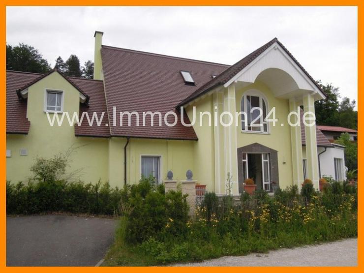 2 6 8 m² loftig- luxuriöse und beeindruckende V I L L A in gesuchter Wohnlage - Bild 1