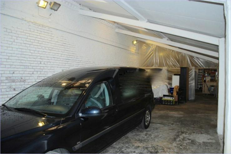 Bild 2: Lager-Halle mit Büro