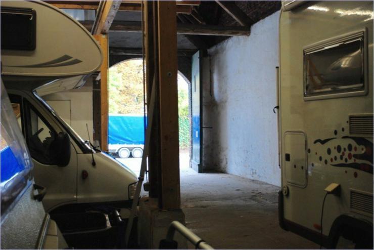 Bild 4: alte Scheune mit Büro und WC