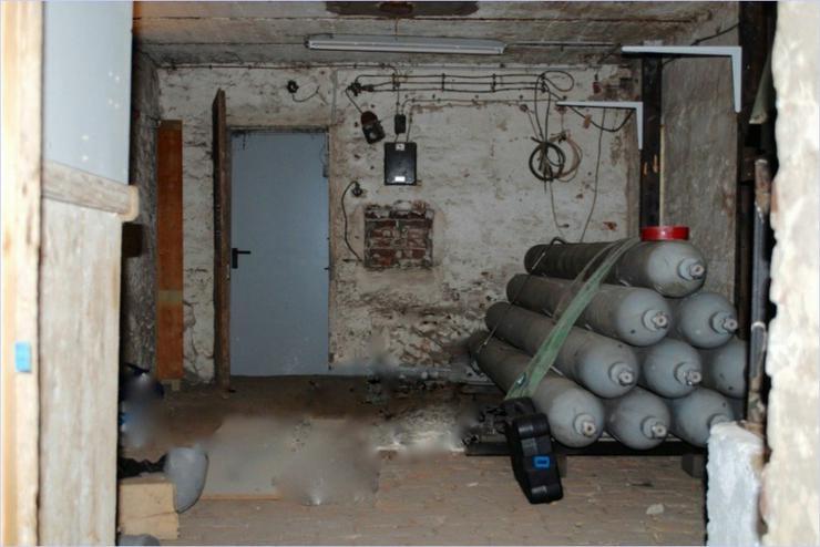 Bild 9: alte Scheune mit Büro und WC