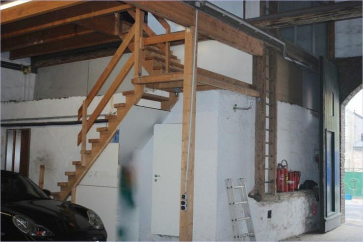 Bild 5: alte Scheune mit Büro und WC