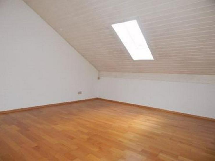 Bild 3: Großzügig aufgeteilte 3,5 Zimmer DG - Wohnung m. 2 Dachterrassen in Passau - Rittsteig z...