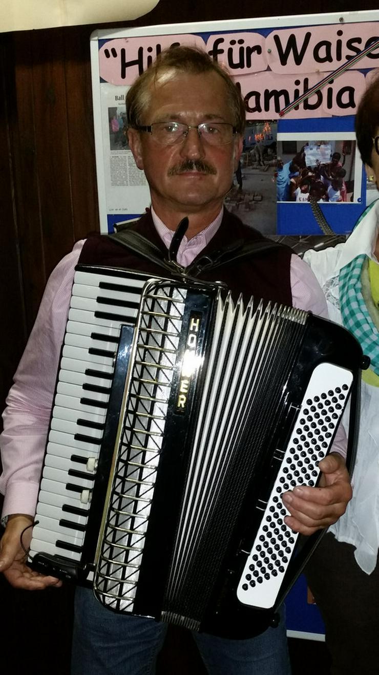 Bild 3: Akkordeonspieler aus Münsterland und NRW