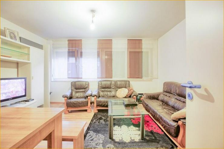 Bild 2: Provisionsfrei: Wernau: 4-Zi-Wohnung im eines MFH, renoviert, zentrumsnah, TGL, große Ter...