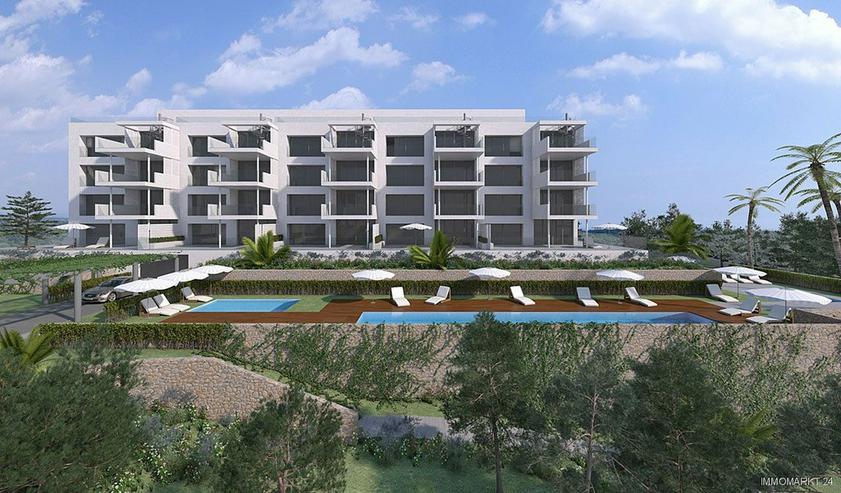 Bild 3: Klassische und stilvolle 3-Zimmer-Wohnungen in exklusivem Golf-Resort