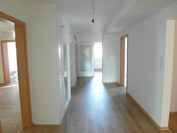 Reinkommen & wohlfühlen  Sonnige und komplett renovierte 4 Zimmer - Küche - 2 Bäder - B...