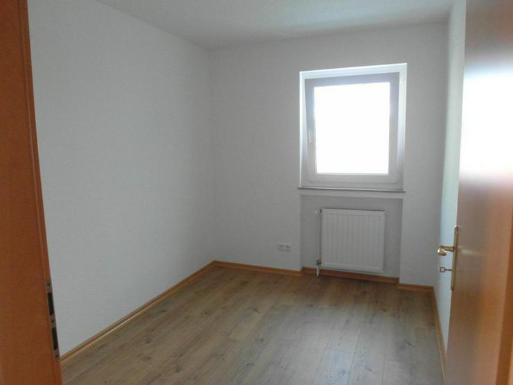 Bild 4: Reinkommen & wohlfühlen  Sonnige und komplett renovierte 4 Zimmer - Küche - 2 Bäder - B...