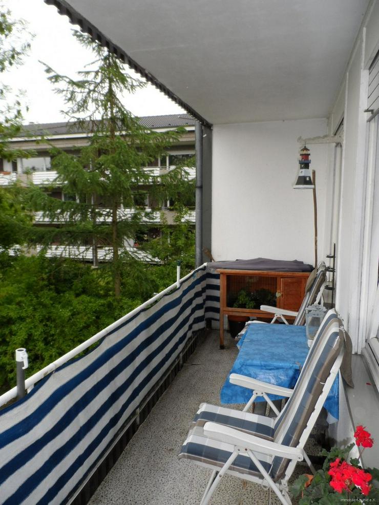 Bild 3: 3-Zi. mit Loggia, Stellplatz und EBK