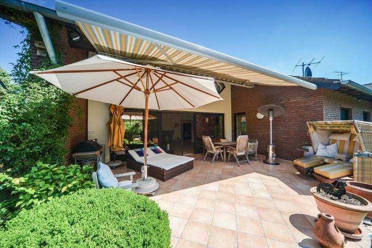 Ein ganz besonderes Einfamilienhaus in bester Lage von Hünxe! - Haus kaufen - Bild 1