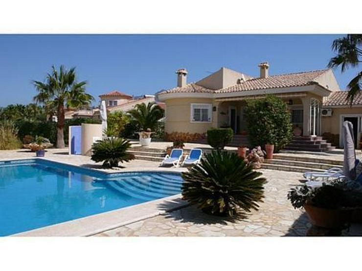Sehr gepflegte Villa mit Pool in Busot - Bild 1