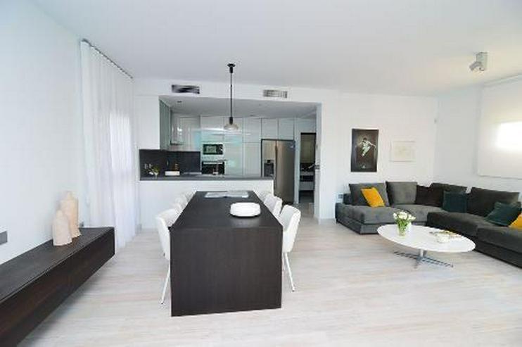 Bild 3: Exklusive und großzügige 4-Zimmer-Villen mit Whirlpool, Gemeinschaftspool und Meerblick