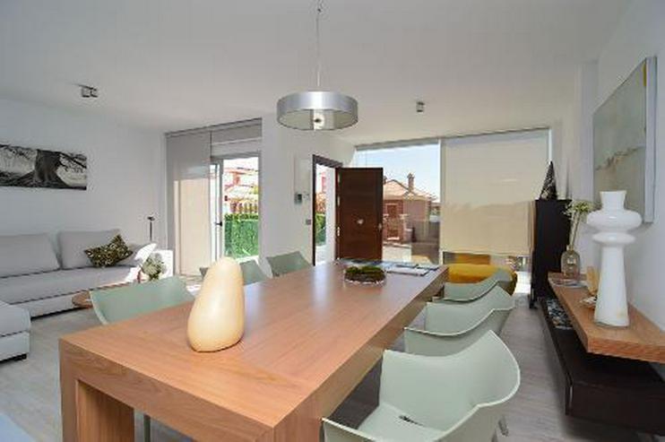 Bild 4: Exklusive und großzügige 5-Zimmer-Villen mit Whirlpool, Gemeinschaftspool und Meerblick