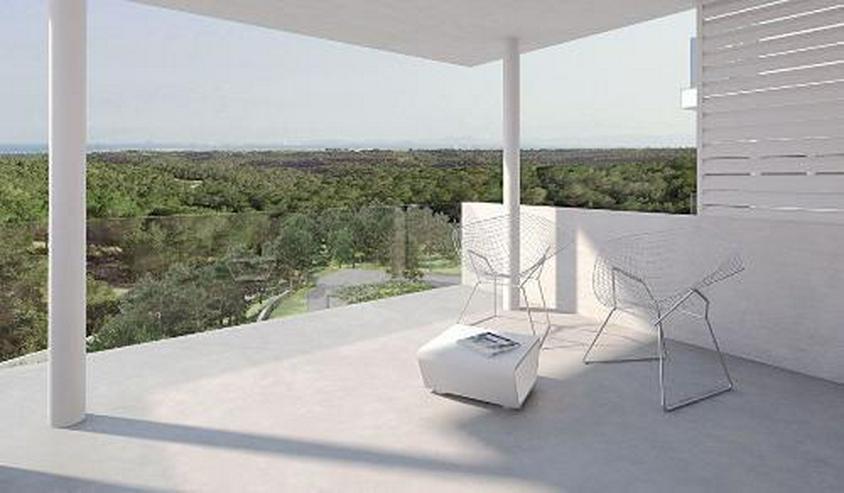Bild 4: Klassische und stilvolle 3-Zimmer-Wohnungen in exklusivem Golf-Resort