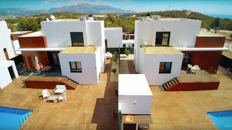 Exklusive 4-Zimmer-Villen mit Privatpool in wunderschöner Umgebung - Haus kaufen - Bild 1