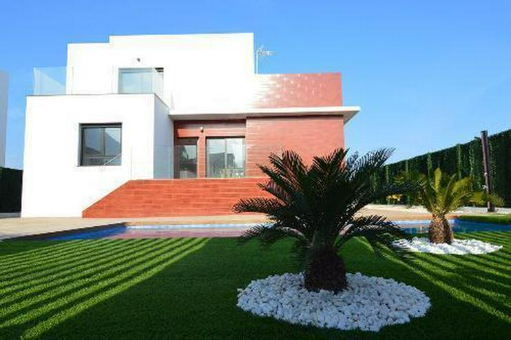 Exklusive 6-Zimmer-Villen mit Privatpool in wunderschöner Umgebung - Haus kaufen - Bild 1
