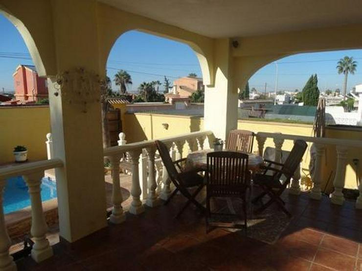 Bild 2: Sehr schöne und großzügige Villa mit Privatpool