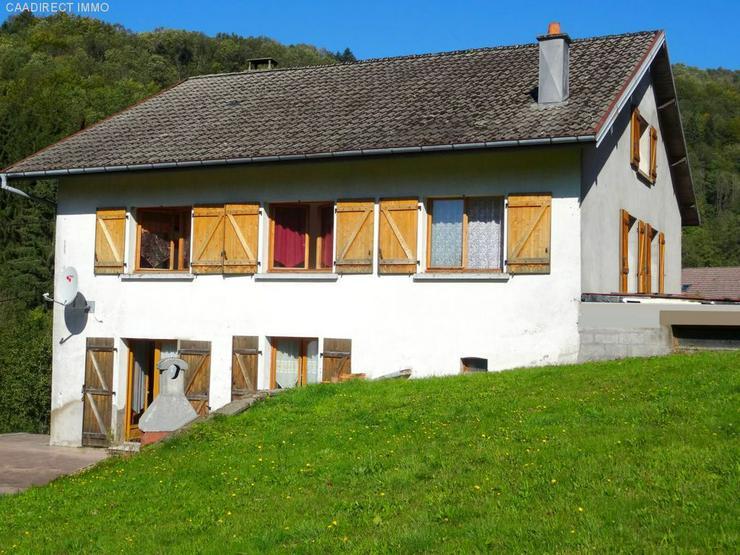 Farm mit 1800 m² Grundstück - 90 km von Basel - Haus kaufen - Bild 1