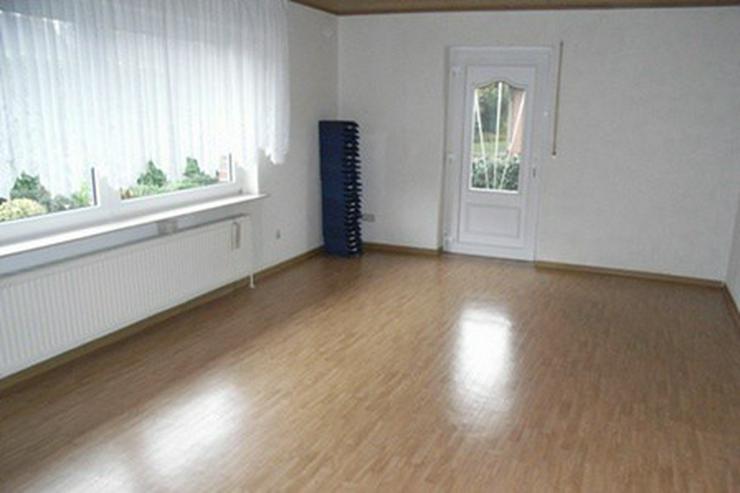 Bild 5: Solides Ein-/Zweifamilienhaus mit Teilkeller, Garage, Wintergarten und überdachter Terras...