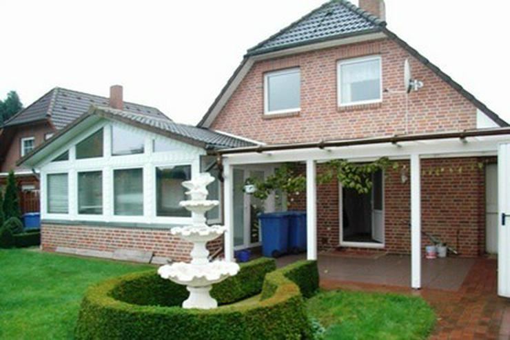 Bild 2: Solides Ein-/Zweifamilienhaus mit Teilkeller, Garage, Wintergarten und überdachter Terras...