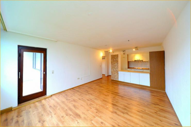 2-Zimmer-Erdgeschoss-Wohnung mit offener Küche in Eislingen + Balkon + Keller - Bild 1
