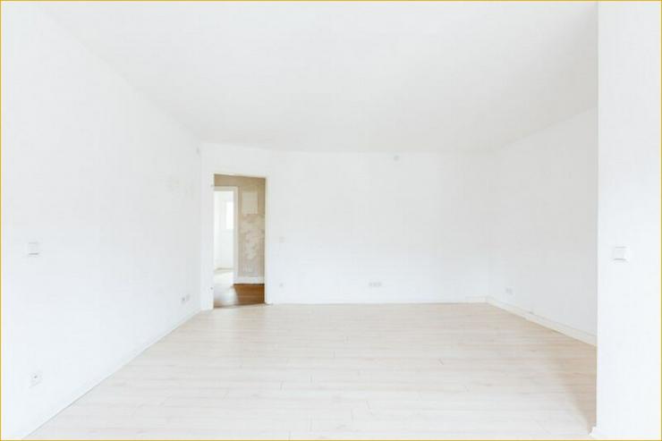 Bild 3: S-Ost: Helle 3-Zimmer-Wohnung mit Balkon und Altbau-Flair