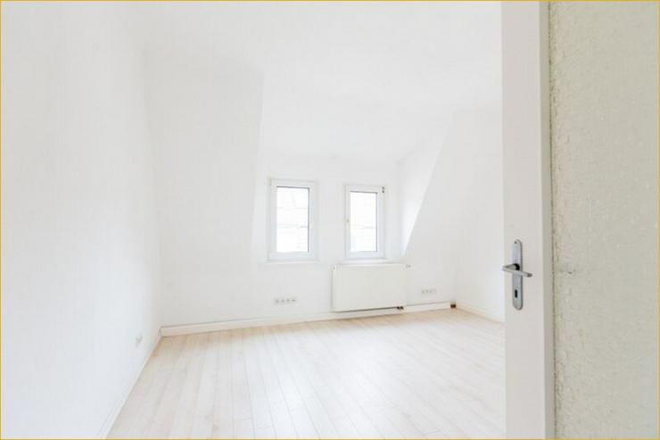Bild 6: S-Ost: Helle 3-Zimmer-Wohnung mit Balkon und Altbau-Flair