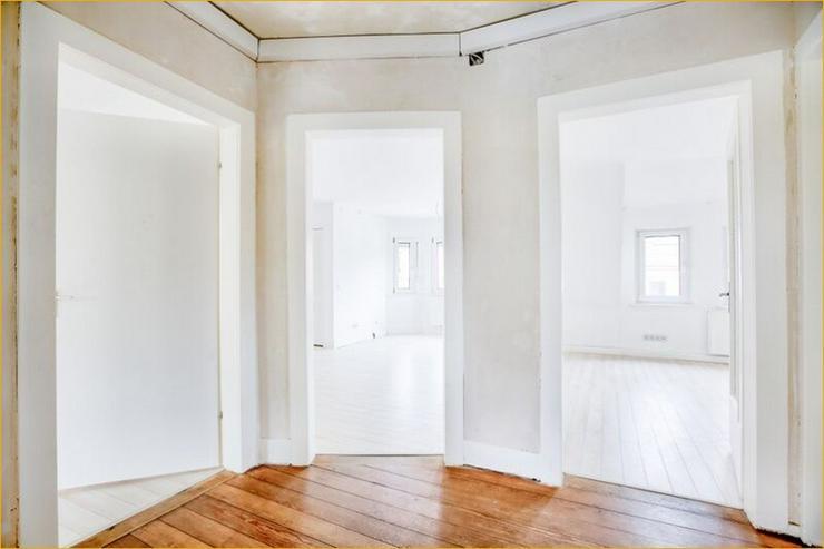 S-Ost: Helle 3-Zimmer-Wohnung mit Balkon und Altbau-Flair - Wohnung kaufen - Bild 1
