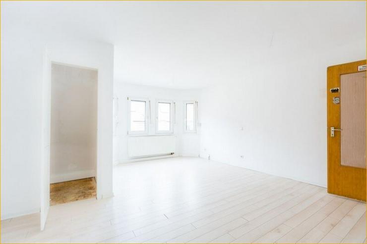 Bild 4: S-Ost: Helle 3-Zimmer-Wohnung mit Balkon und Altbau-Flair