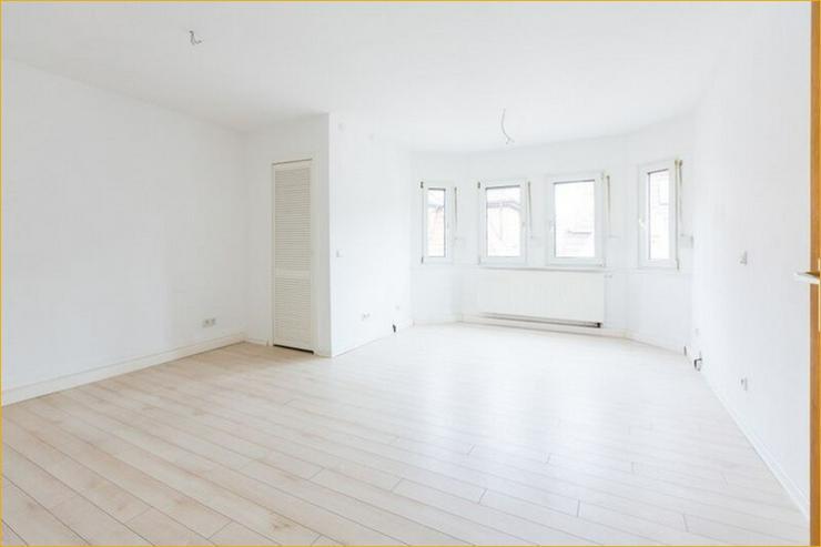 Bild 2: S-Ost: Helle 3-Zimmer-Wohnung mit Balkon und Altbau-Flair