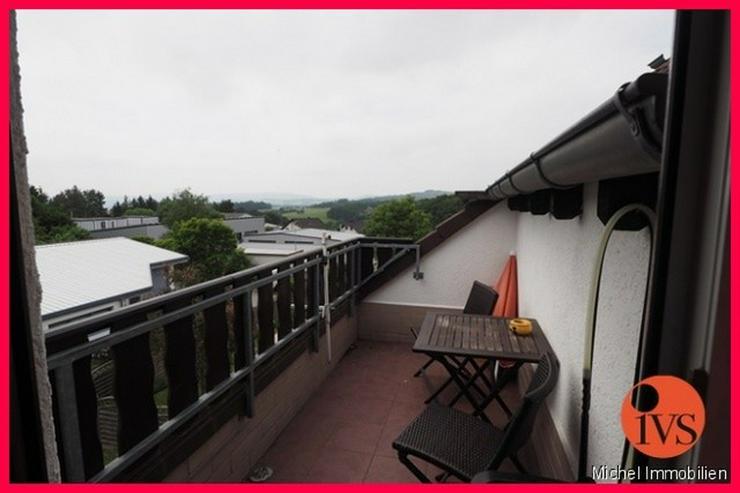 Bild 4: Schöne 3 Zi.- DG Wohnung in idyllischer Lage mit Loggia, Stellplatz und Keller!