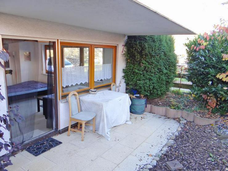 Bild 6: Ihr kleines Reich - in ruhigem Wohngebiet. Mit Außenstellplatz und schöner Terrasse.