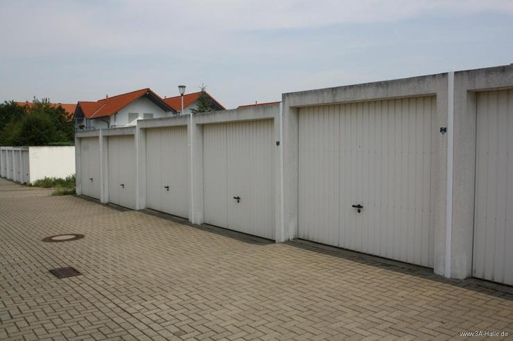 Bild 3: vollerschlossenes Baugrundstück für freistehendes Traumhaus mit zwei Garagen