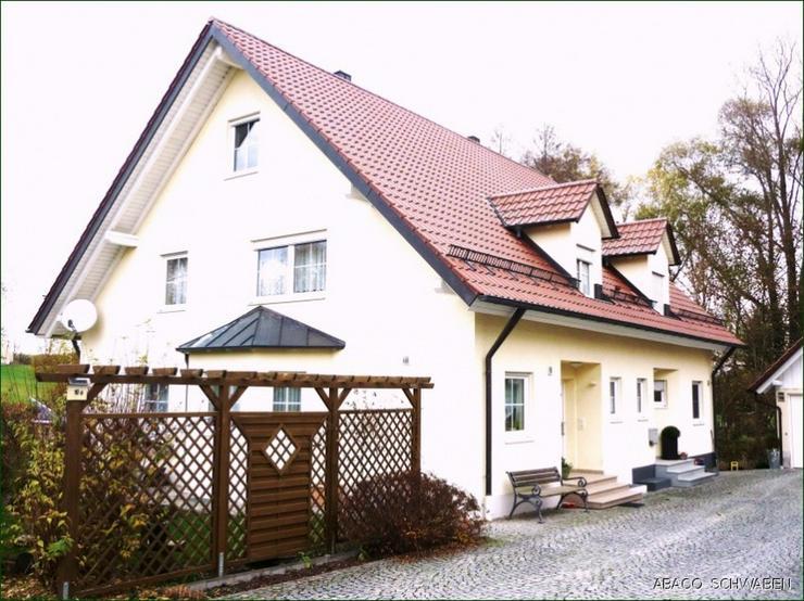 Hier fühlt man sich wohl! Provisionsfreie Doppelhaushälfte für Naturliebhaber in Dinkel...