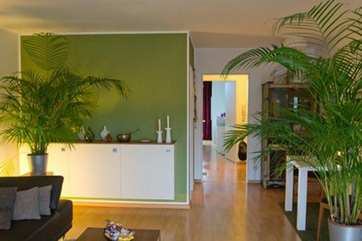 raumerlebnis in einer 2 zimmer wohnung mit sonnenbalkon. Black Bedroom Furniture Sets. Home Design Ideas