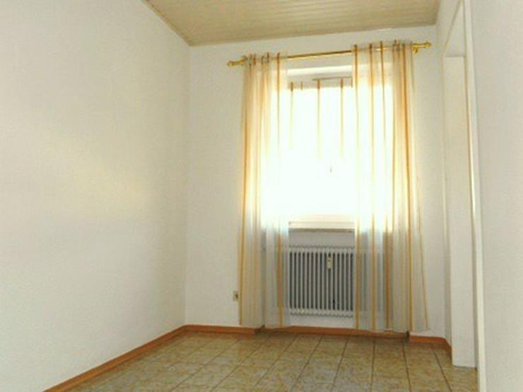 Bild 6: 3 Zimmer Wohnung m. EBK, überdachtem Balkon u. Kfz.-Stellplatz, in Passau - Neustift zu v...