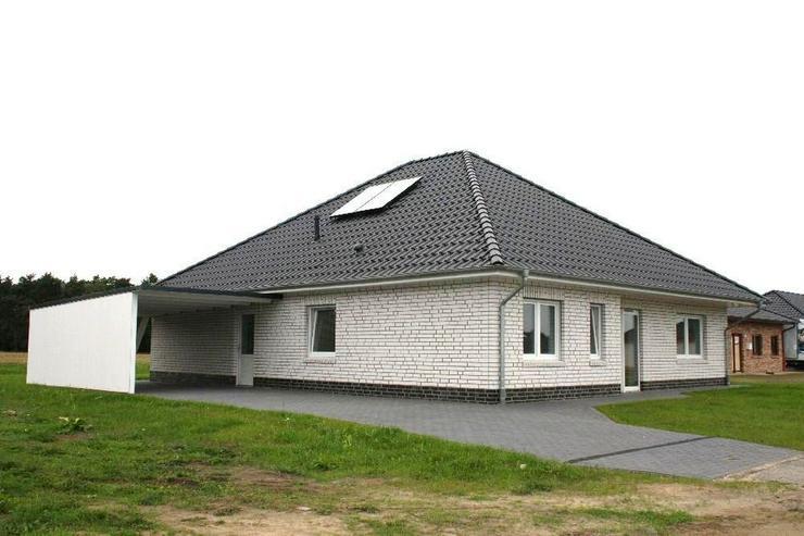 Bungalow, Neubau mit schöner Aussicht auf Feld und Wald - Haus kaufen - Bild 1