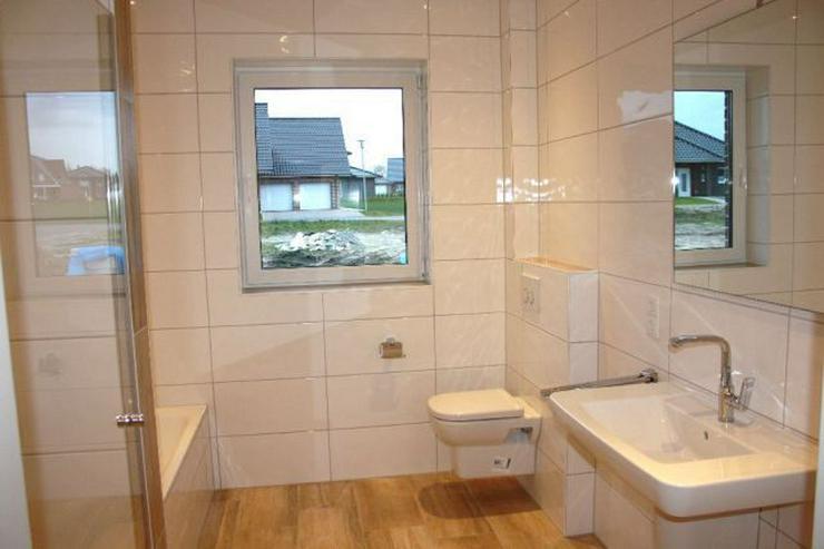 Bild 9: Provisionsfrei: Neubau-Winkelwalmdach-Bungalow mit exklusiver Ausstattung