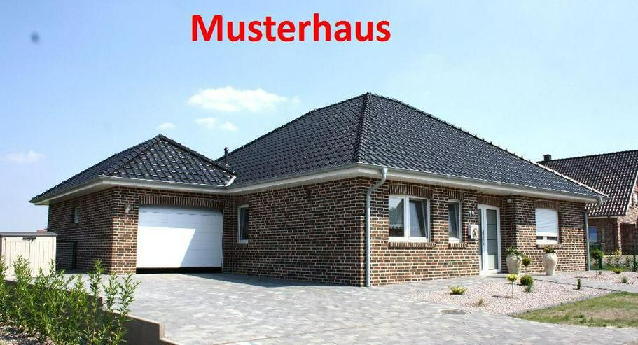 Provisionsfrei: Neubau-Winkelwalmdach-Bungalow mit exklusiver Ausstattung - Bild 1