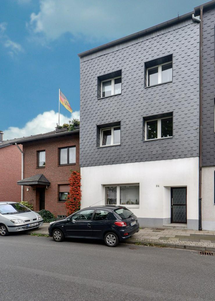 Bild 2: Sehr gepflegtes 3 Familienhaus in zentraler Lage von OB-Alstaden