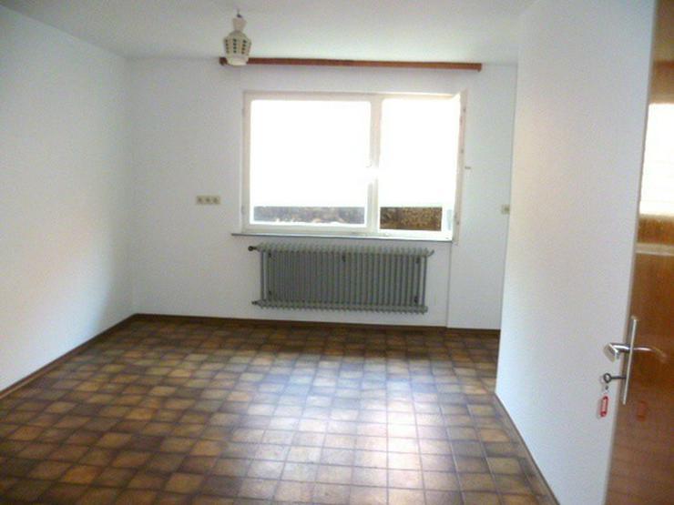 Bild 4: 1000 qm Grundstück: 1-2 Parteienhaus und große Scheune (Ausbaureserve)