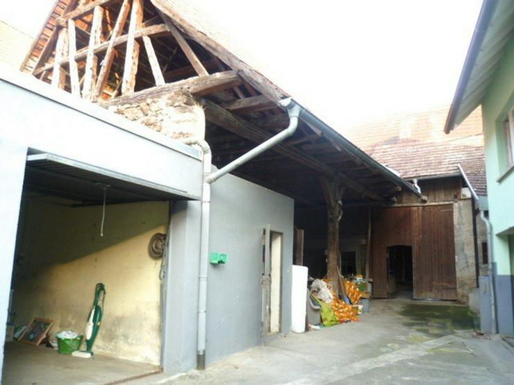 Bild 3: 1000 qm Grundstück: 1-2 Parteienhaus und große Scheune (Ausbaureserve)