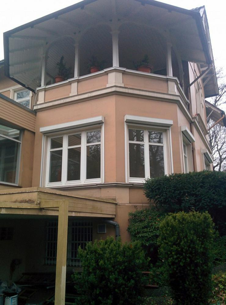 Bild 3: Riesige, sanierte Wohnung in schöner Altbauvilla! WG geeignet!