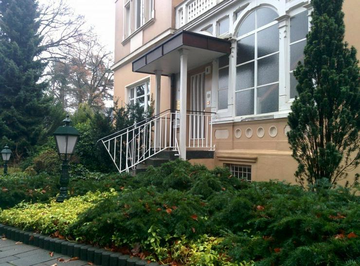 Bild 2: Riesige, sanierte Wohnung in schöner Altbauvilla! WG geeignet!