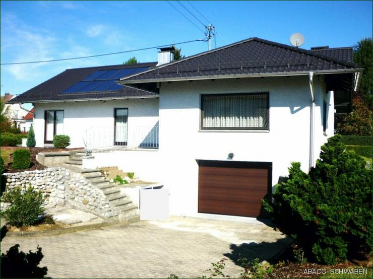 Stilvolles Einfamilienhaus mit Potenzial auf traumhaften Anwesen in Adelzhausen - Haus kaufen - Bild 1