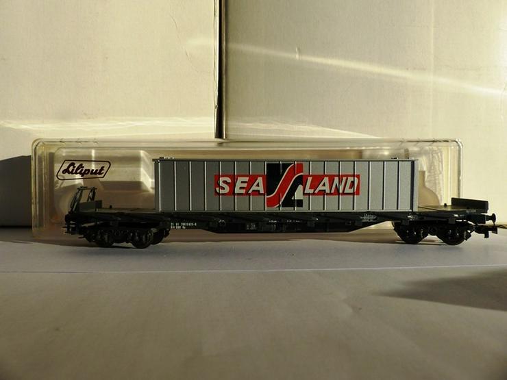 Bild 4: Set mit 5 LILIPUT-Güterwagen in optim. Zustand
