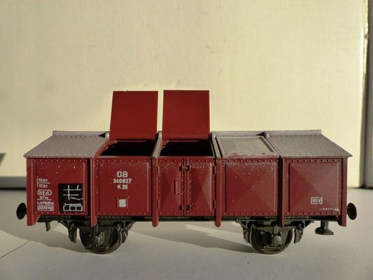 Bild 3: SET sind 12 St. ROCO-Güterwagen Top-Zustand