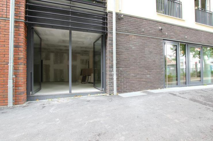 Bild 2: Neubau & Zentral - Nur noch 1 Fläche verfügbar. Frei ab sofort.