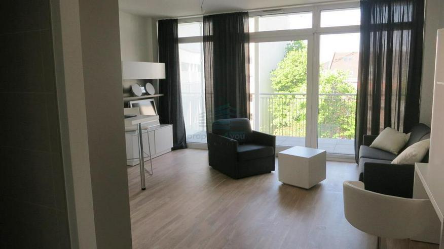 Bild 6: Stilvoll möbliertes und barrierefreies Apartment mit Balkon in München-Bogenhausen
