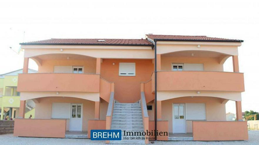 Großzügiges 6-Familienhaus auf Insel VIR - Auslandsimmobilien - Bild 1