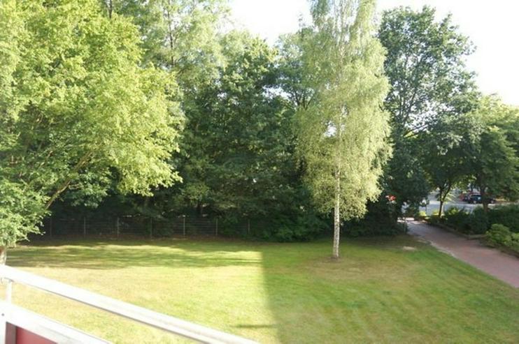 Bild 4: Ein Monat mietfrei ! Wohnen in Horn-Lehe - Sonnige 3-Zimmer-Wohnung mit Balkon in ruhiger ...